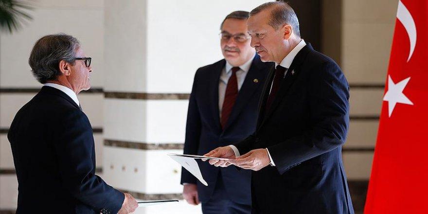 Erdoğan, Brezilya'nın Ankara Büyükelçisi Neto'yu kabul etti