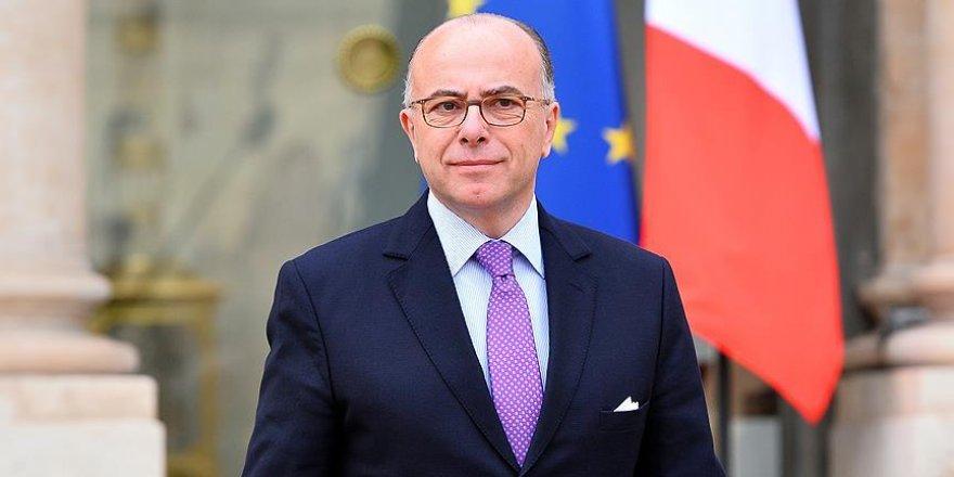 Fransa'nın yeni Başbakanı Cazeneuve görevine başladı