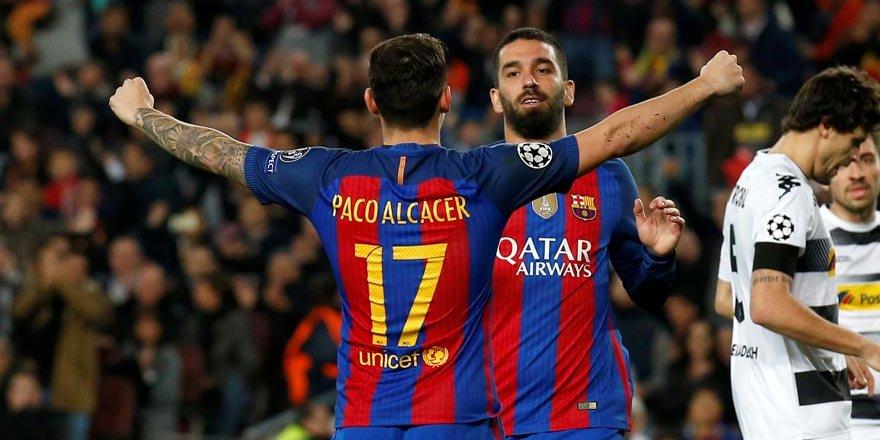 Arda Turan hat-trick yaptı, Barcelona Gladbach'ı rahat geçti