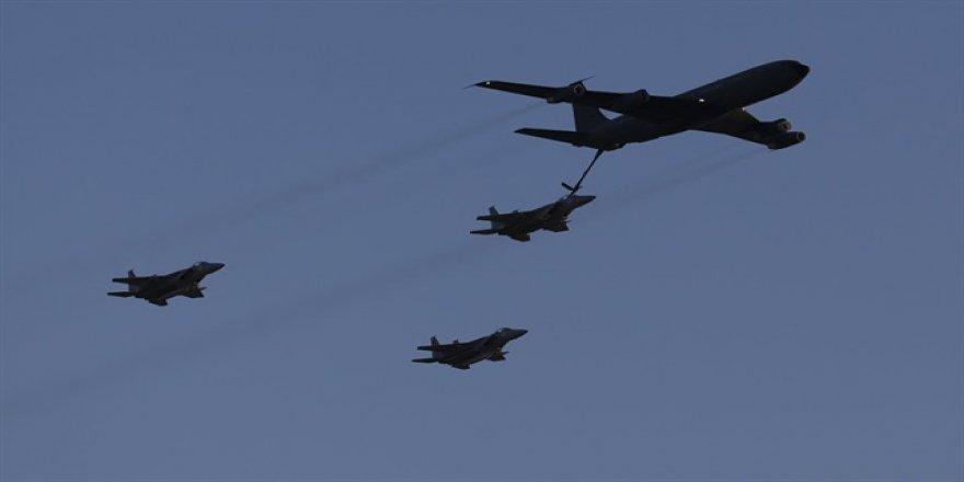 İsrail jetleri Esed'in askeri havalimanını vurdu