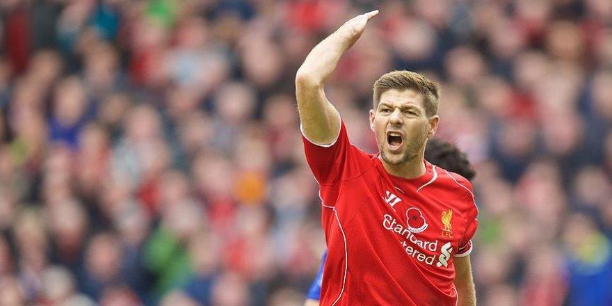 Steven Gerrard İskoç hakemi eleştirdi