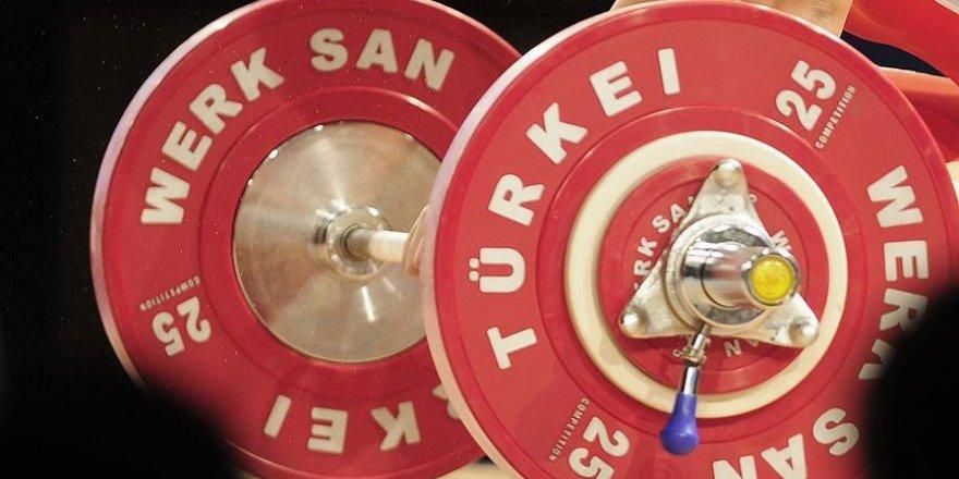 Türk sporcular halterde 2 gümüş madalya kazandı