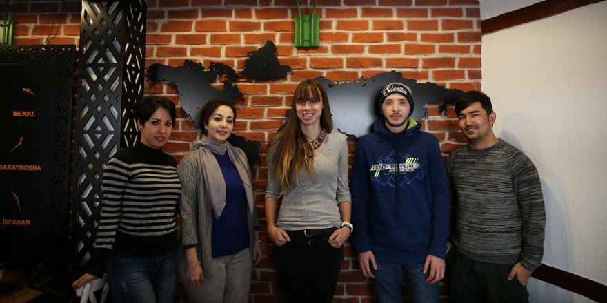 Türkiye'deki yabancı öğrencilerin Şeb-i Arus heyecanı