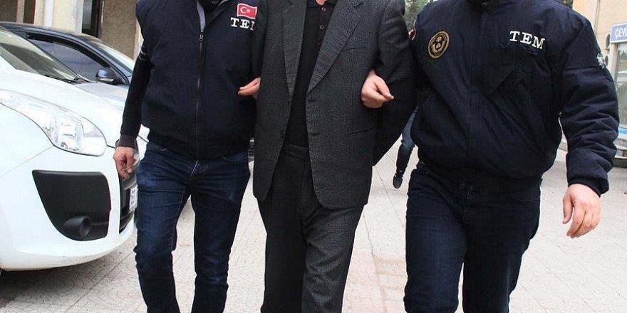 İzmir'de FETÖ/PDY operasyonunda 15 gözaltı