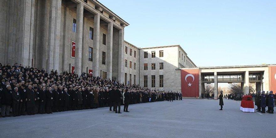 Eski TBMM Başkanı Sezgin, Meclisten uğurlandı
