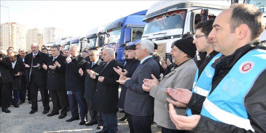 Halep'e giden yardım tırları dualarla uğurlandı