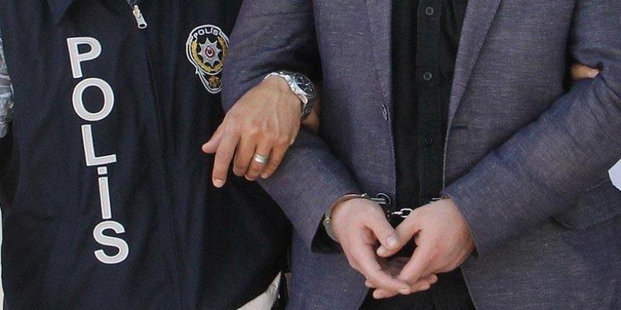 Hakkari'de 3 belediye başkanı tutuklandı