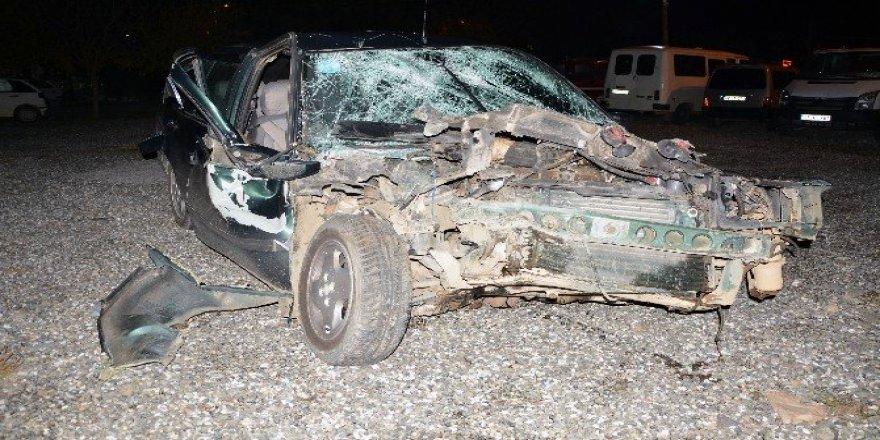 Köyceğiz'de Otomobille, traktör çarpıştı; 3 yaralı