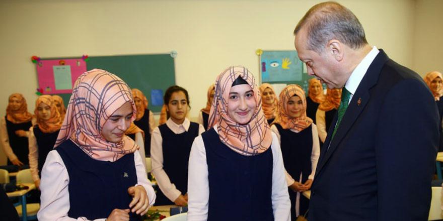 Öğrencilerden Cumhurbaşkanı Erdoğan'a sürpriz