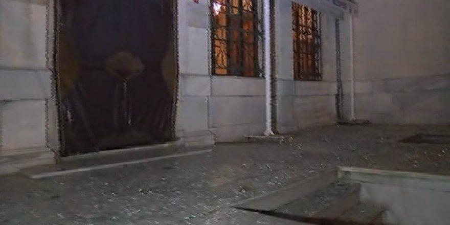 Beşiktaş'taki patlamada Dolmabahçe cami de hasar aldı