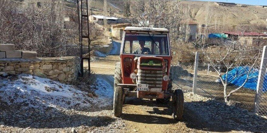 Bin dolar bozdurana traktörünü verecek