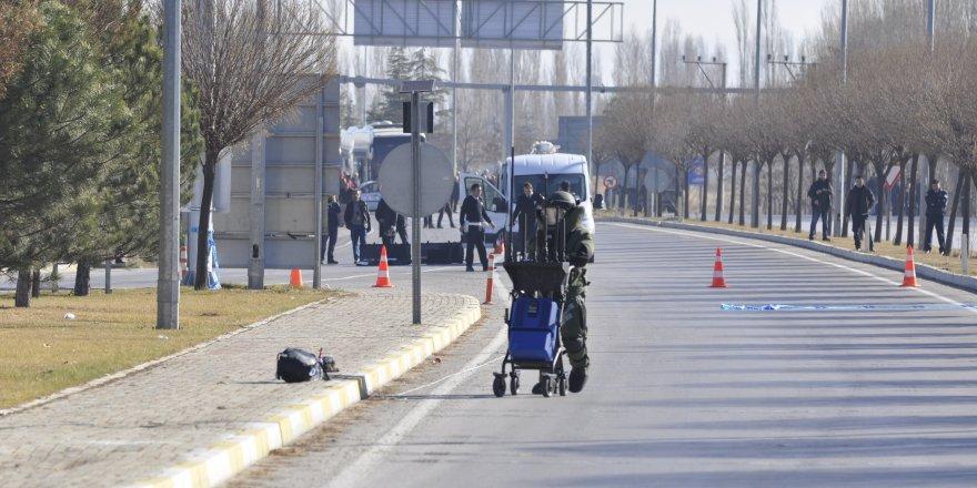 Afyonkarahisar-Konya karayolunda bomba alarmı!