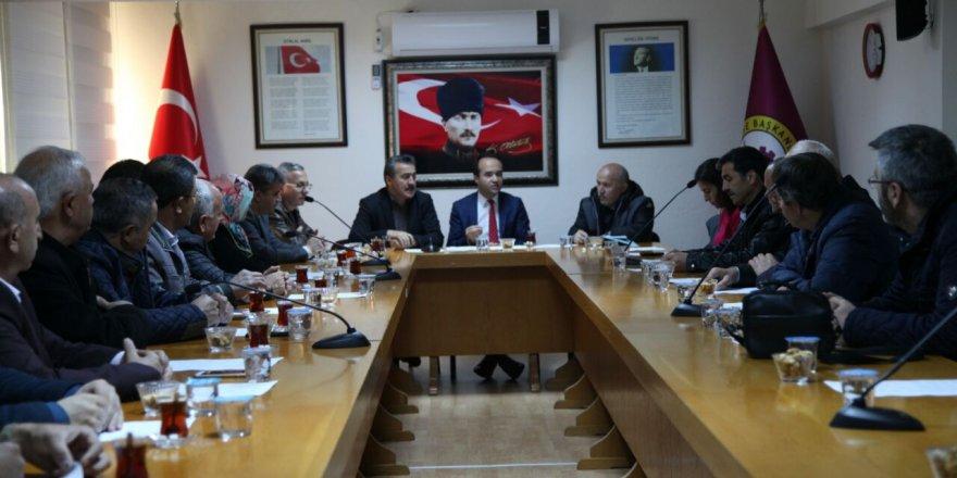 Kaymakam Özyiğit belediye meclis üyeleri ile vedalaştı