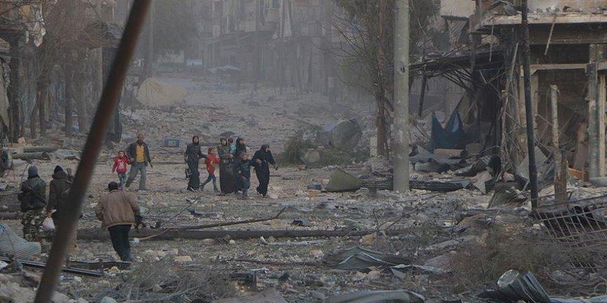 Esed, Halep'te sivil katliamını sürdürüyor