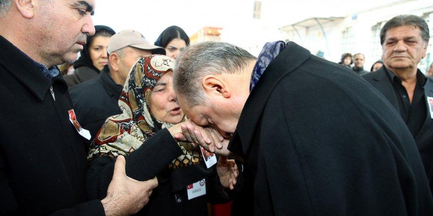 Cumhurbaşkanı Erdoğan şehit cenazesine katıldı