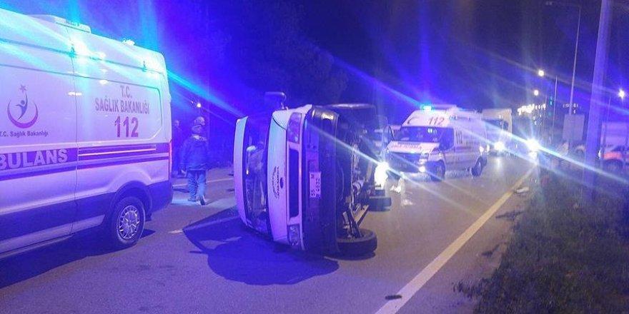 Samsun'da iki minibüs çarpıştı: 10 yaralı