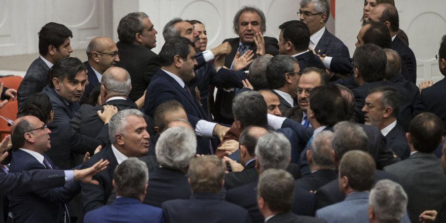 HDP'li vekillerden büyük provokasyon