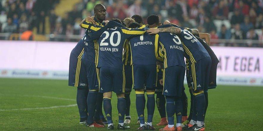 Fenerbahçe zirve takibini sürdürmek istiyor