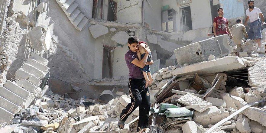 'Halep'te saldırı altındaki binada 100'den fazla çocuk mahsur'