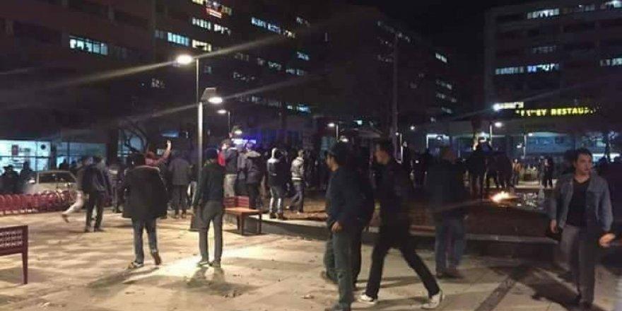 Konya'da HDP il binası taşlandı