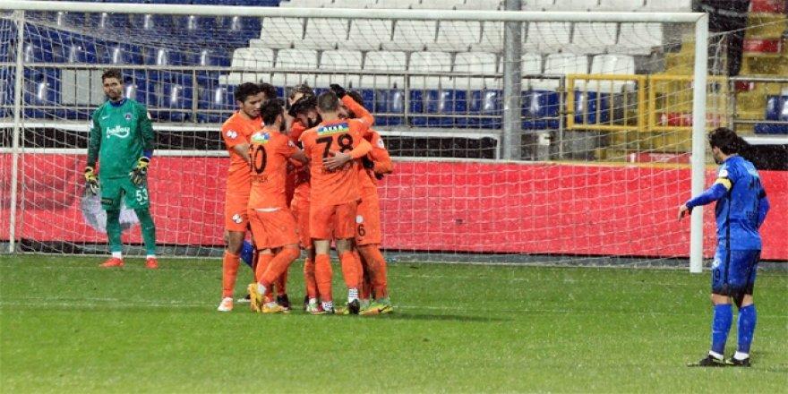 Çaykur Rizespor gol olup yağdı