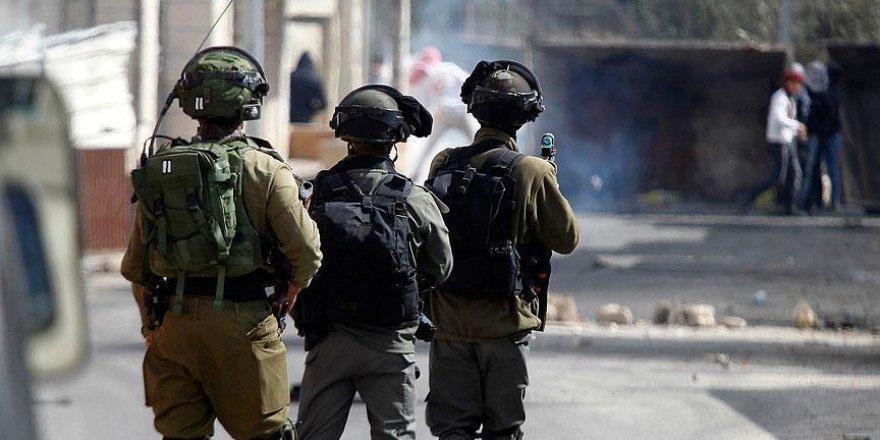 İsrail askerlerinden Batı Şeria'daki üniversiteye baskın