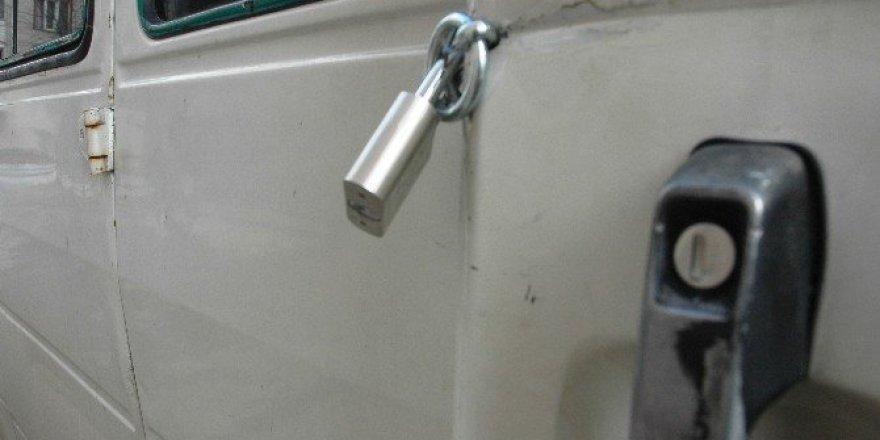 Arsız hırsızlara karşı asma kilitli önlem