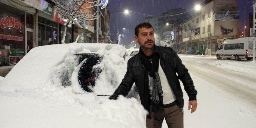 Oltu'da okullara kar tatili