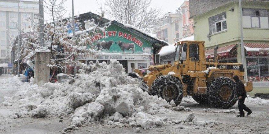 Tunceli'de 246 köy yolu ulaşıma kapandı