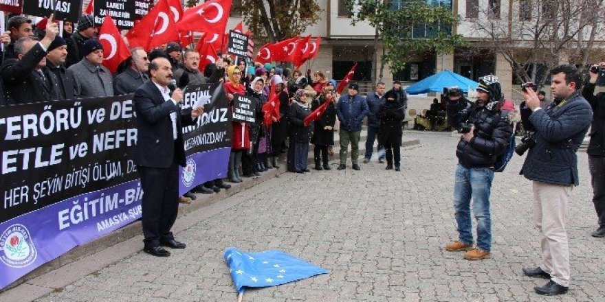 Amasya'da terör protesto edildi