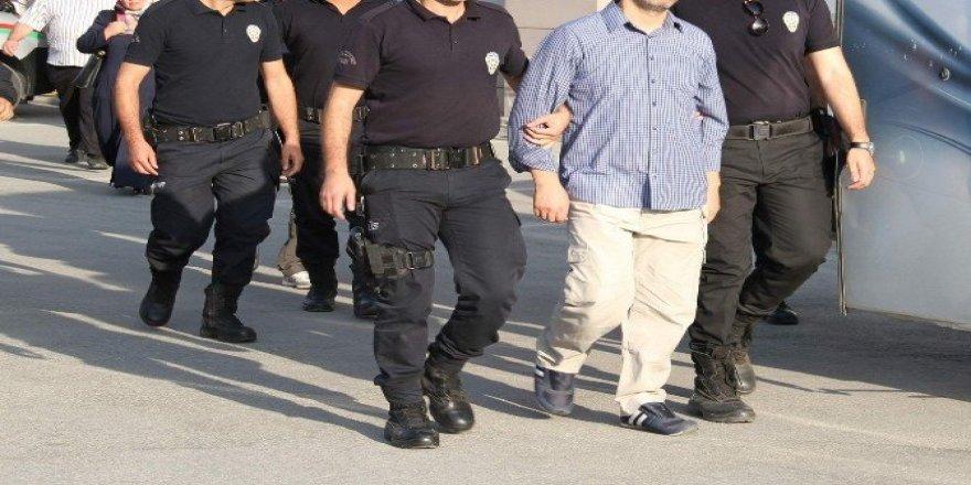 Uşak'ta FETÖ/PDY'den 11 kişi gözaltına alındı