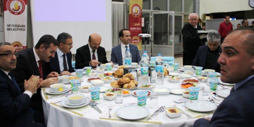 Seydişehir Kaymakamı Özyiğit'e veda yemeği