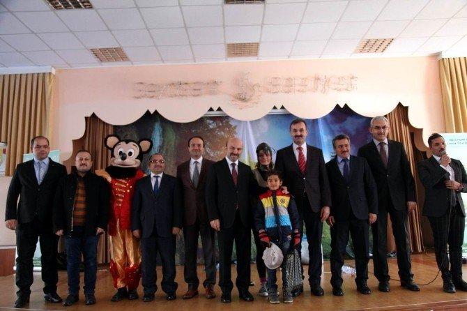 """Seydişehir'de """"Caretta Caretta Milli Parklarda"""" adlı çocuk oyunu sahnelendi"""