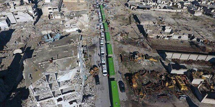 Halep'te ilk konvoy muhaliflerin kontrolündeki noktaya ulaştı