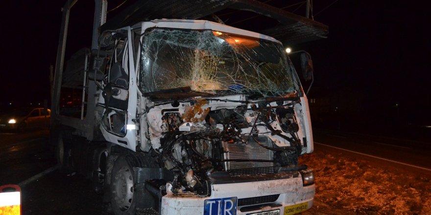 Konya'da tır kamyona çarptı: 1 yaralı