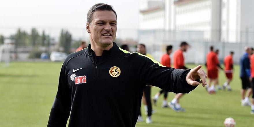 Özalan: Takımı Süper Lig'e çıkarmak boynumuzun borcu