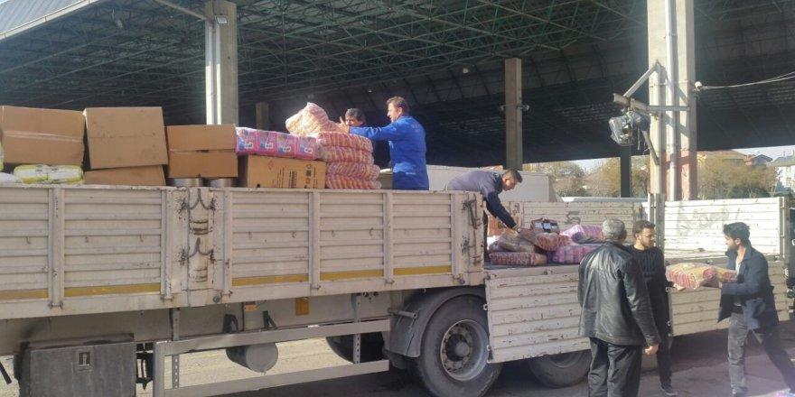 Ribat Halep'e üç yardım tırı gönderiyor