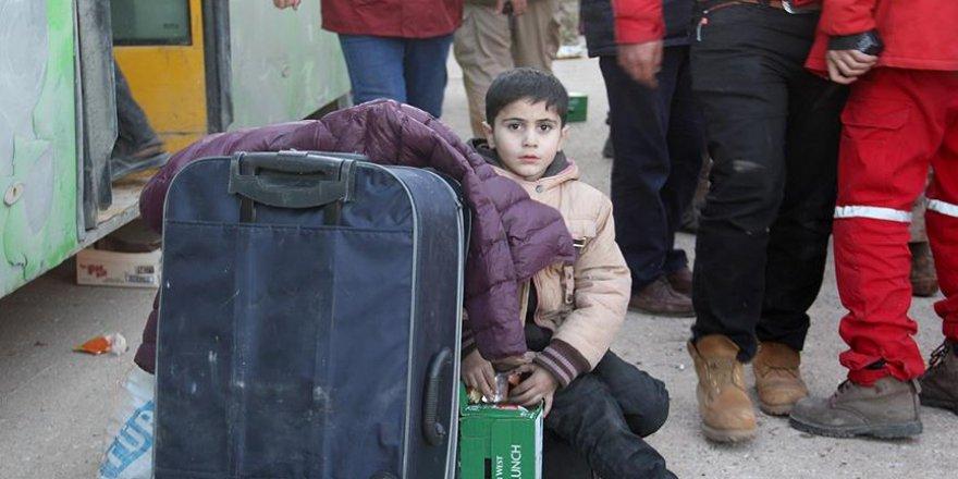 Halep'ten çıkan 3 konvoy daha İdlib'e ulaştı
