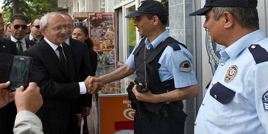 """CHP'den polise """"yanınızdayız"""" mesajı"""