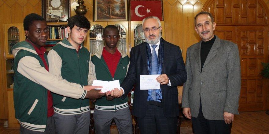 Öğrencilerden Halep'e anlamlı yardım