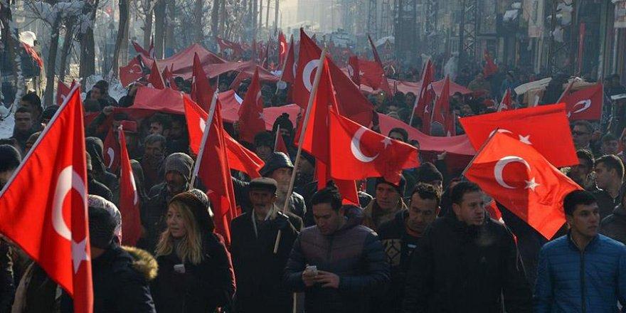 Yüksekova'da 'teröre lanet' yürüyüşü düzenlendi