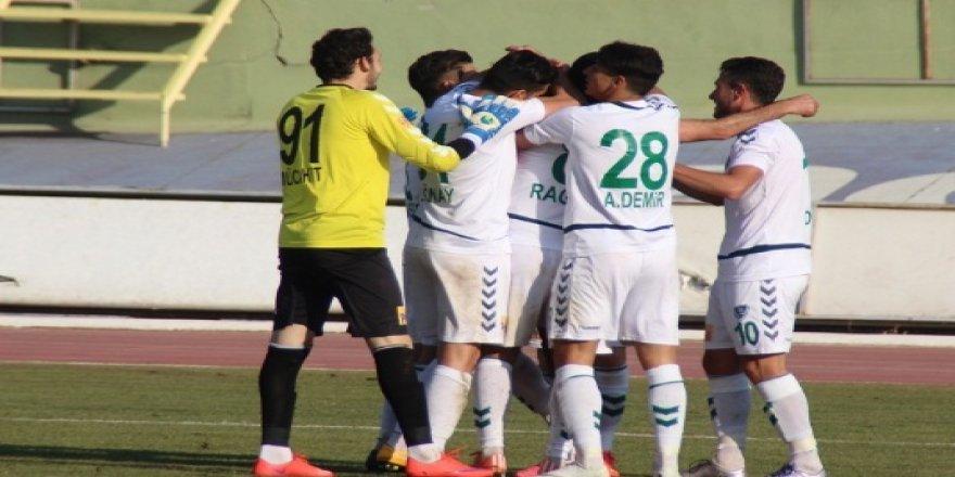 Anadolu Selçukspor ilk yarıyı 3 puanla kapattı