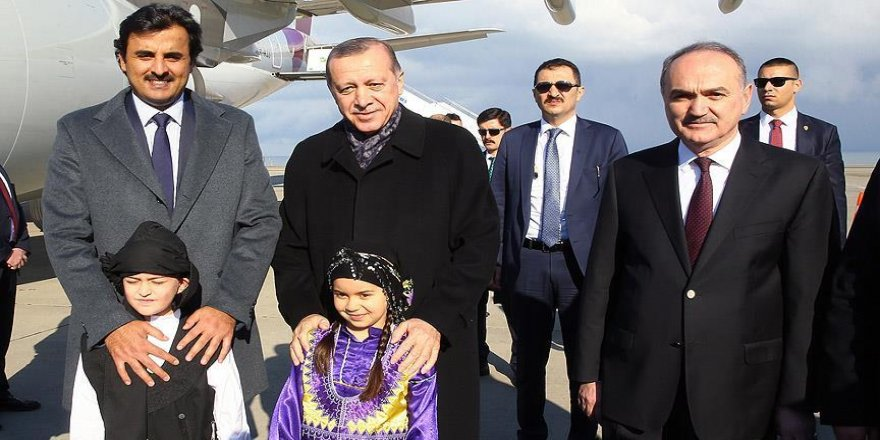 Erdoğan, Katar Emiri El-Tani'yi karşıladı