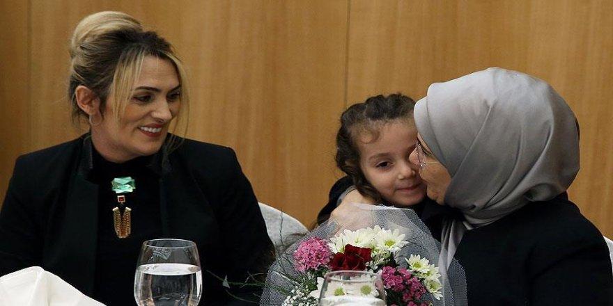 Emine Erdoğan şehit aileleriyle bir araya geldi