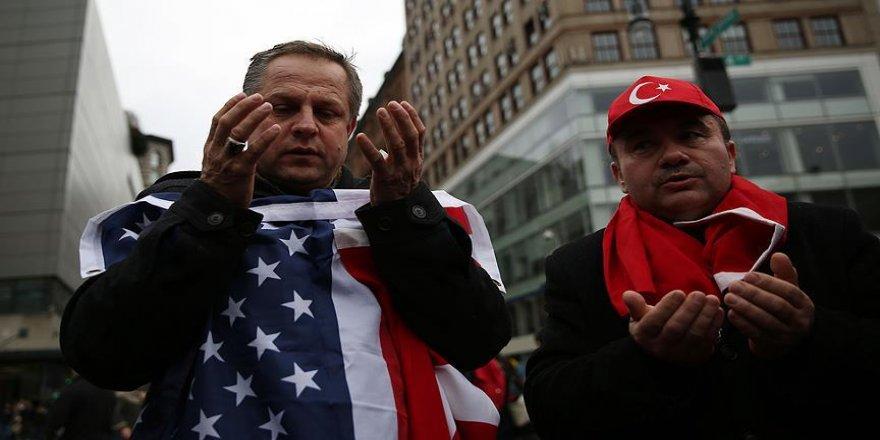 Kayseri ve İstanbul şehitleri New York'ta dualarla anıldı