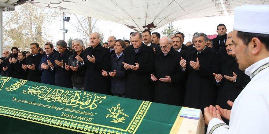 Erdoğan, Prof. Dr. Yalçın'ın cenaze törenine katıldı