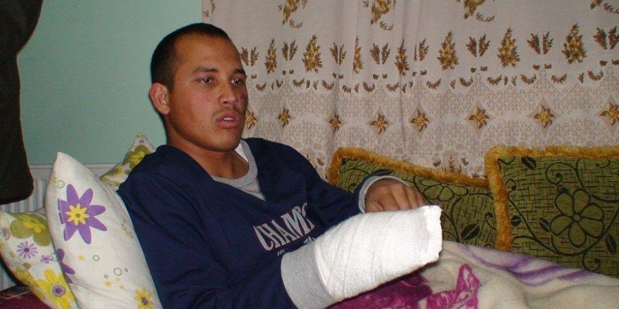 Kayseri'deki terör saldırısında yaralanan asker babaevine geldi