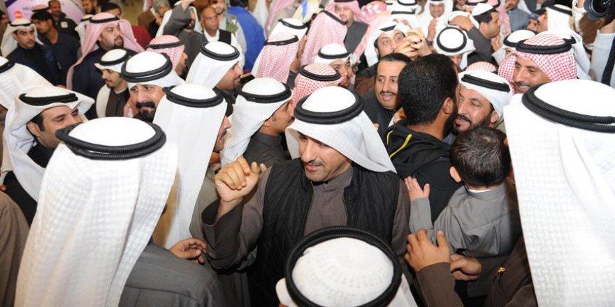 İran'da gözaltına alınan 4 Kuveyt vatandaşı ülkeye döndü
