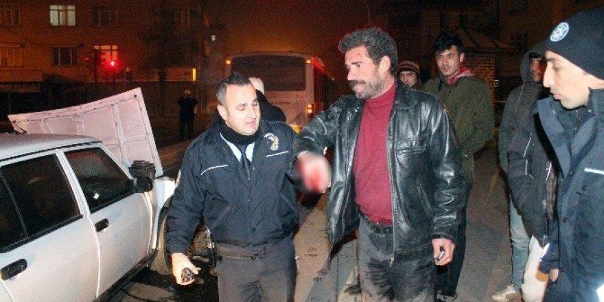 Alkollü sürücünün polis ve gazetecilerle ilginç diyaloğu