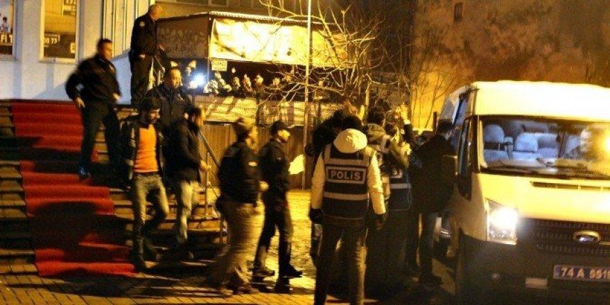 Bartın'da FETÖ operasyonunda 7 kişi tutuklandı
